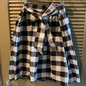 Like new! Lane Bryant Bow Gingham Skirt